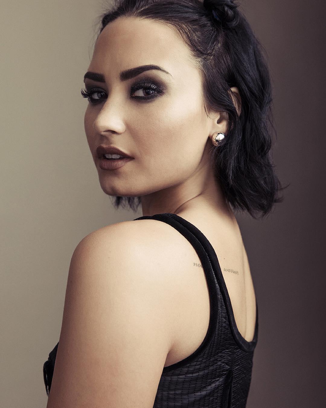 Demi Lovato Devonne >> Demi Lovato Pictures: Click image to close this window