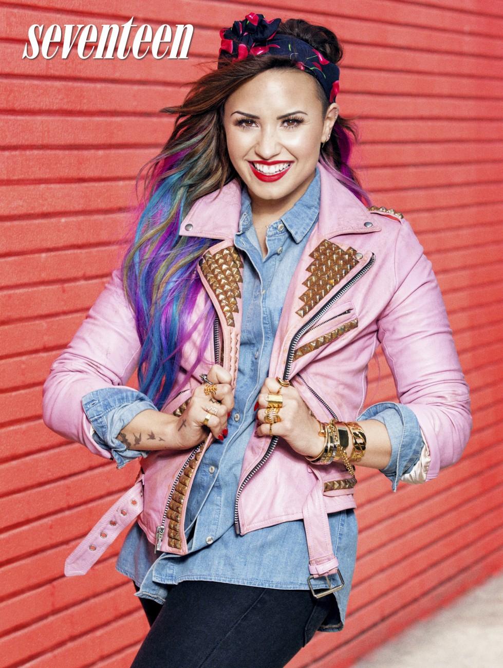 Demi Lovato Photo Gallery >> Demi Lovato Pictures: Click image to close this window