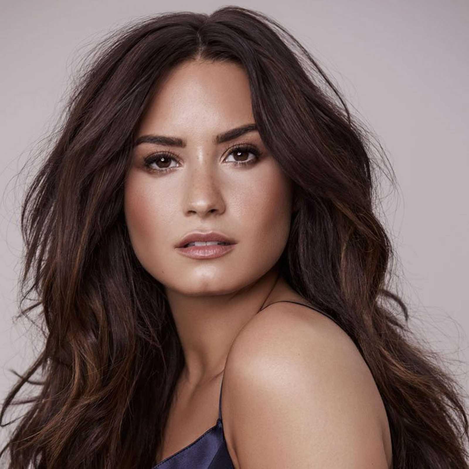 Demi_Lovato_-_Dennis_Leupold_Photoshoots_2017-01.jpg